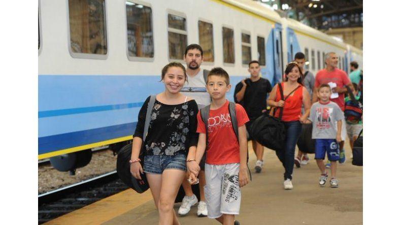 Pasajes agotados en tren adicional a Mar del Plata para cubrir la demanda del fin de semana largo
