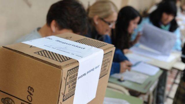 El 47% de las autoridades de mesa rechazó la notificación en la Provincia