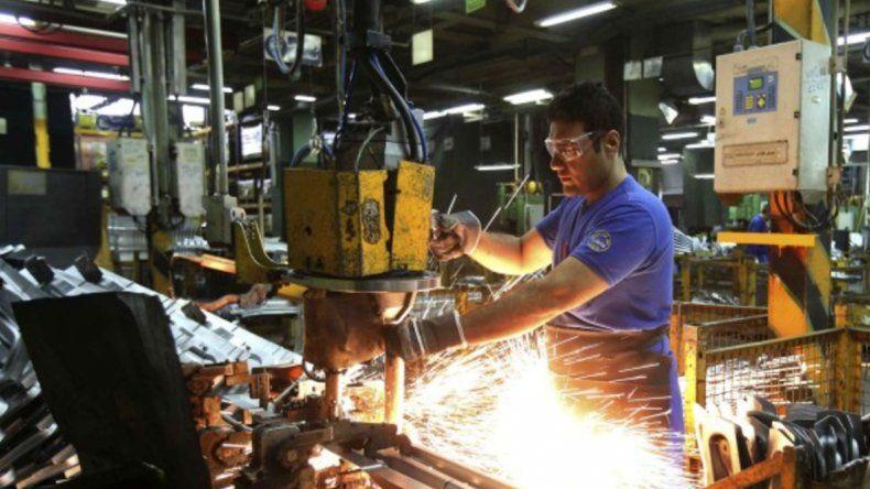 La producción de automotores cayó 39,3% en junio