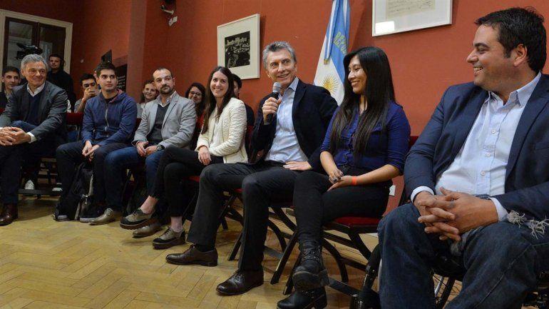 Macri quita a los gremios el control de fondos de las obras sociales
