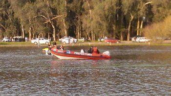 Desesperada búsqueda de un joven en la Laguna de los Padres: se le dio vuelta el Kayak