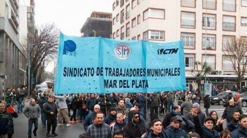 Municipales marcharán a la Municipalidad en medio del conflicto salarial