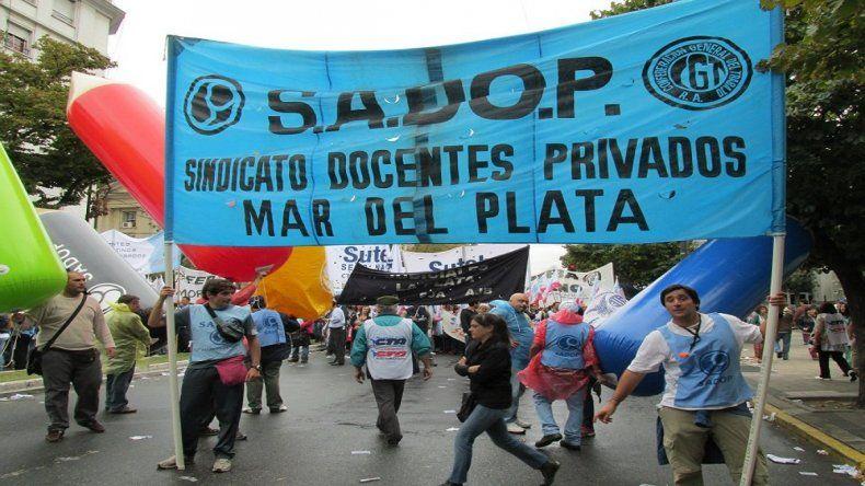 Denuncian despidos de docentes en un colegio privado de Mar del Plata