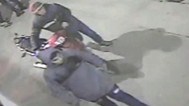 Video: así roban una moto en Libertad y 180