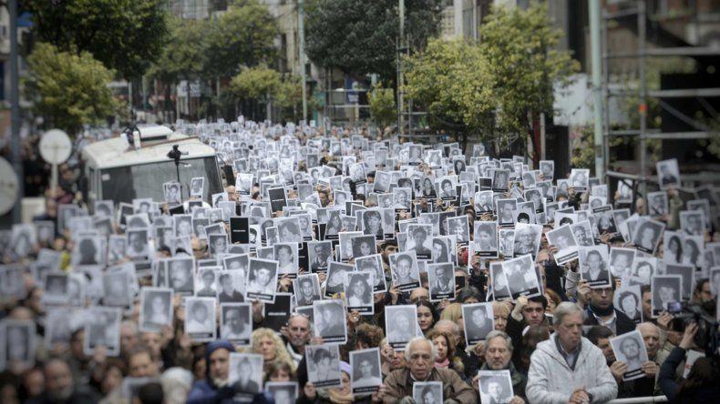 Se conmemoran los 25 años del atentado a la AMIA