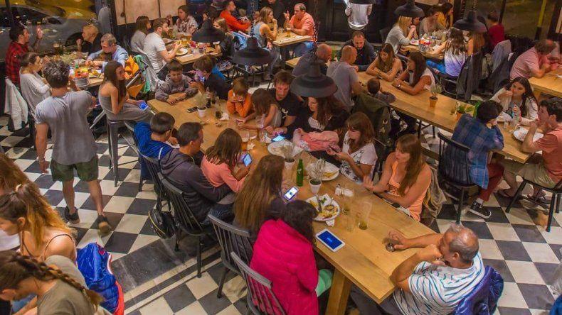 Más de 100 chicos de comedores merendarán gratis en una hamburguesería local