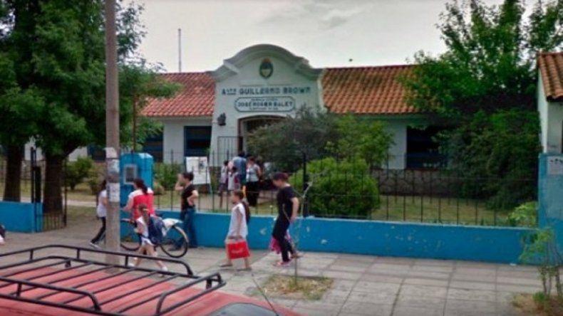 Una docente se electrocutó en una escuela y tiene medio cuerpo paralizado