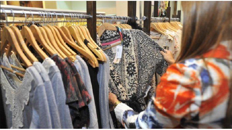 Los docentes y un 50% de descuento en la compra de indumentaria