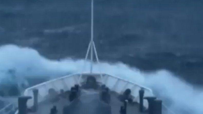 Ante un fuerte temporal en el mar, Prefectura refugiará a 257 buques chinos