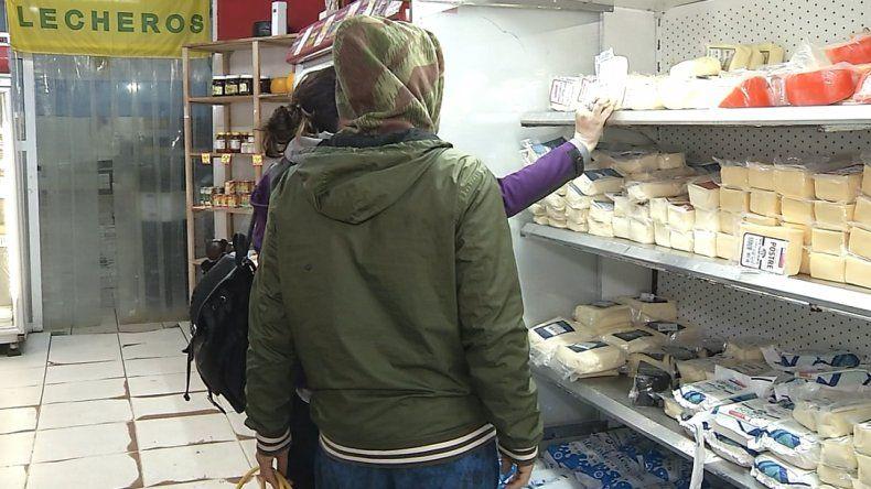 """Más comercios se suman al Programa """"Lunes al Costo"""""""
