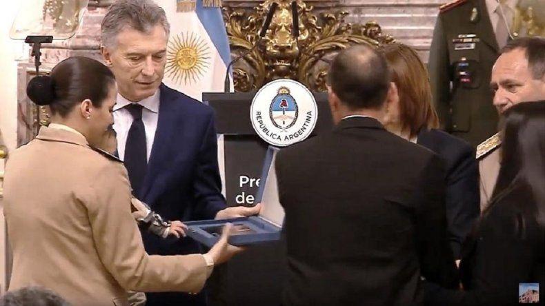 """Macri reconoció como """"héroes"""" a uniformados caídos en ejercicio del deber"""