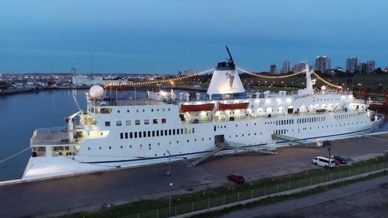 Llegó a Mar del Plata la librería flotante más grande del mundo
