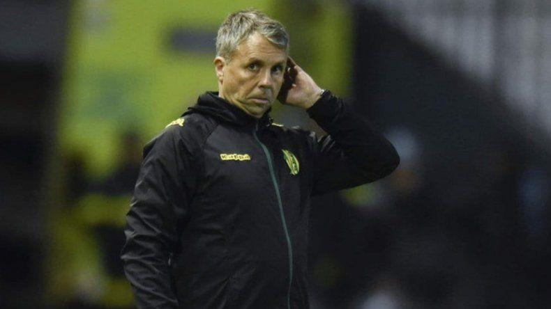 Gustavo Álvarez renunció a su cargo de entrenador de Aldosivi