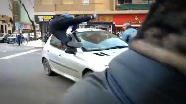 Un automovilista atropelló a un manifestante en Luro y Salta