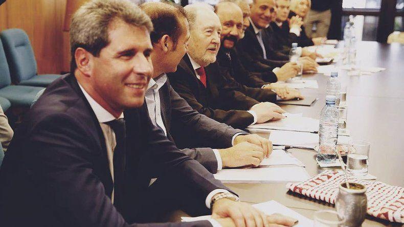 Gobernadores de 16 provincias fueron a la Corte para frenar las medidas económicas de Macri