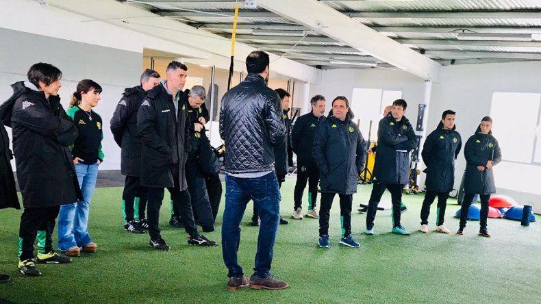 Ángel Hoyos dirigió su primer entrenamiento en Aldosivi
