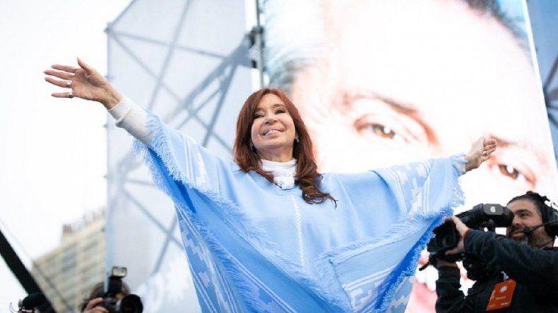 """Cristina: """"Que nunca más el país vuelva a caer en manos del neoliberalismo"""""""