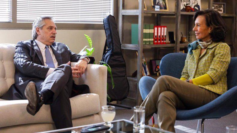 Alberto Fernández se reunió con la titular del Banco Santander y acordó créditos por 500 millones de dólares
