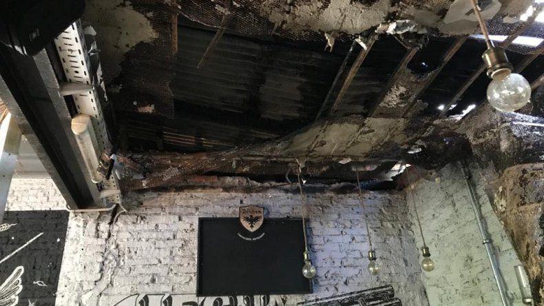 Una cervecería quedó destruida por el incendio en la parrilla Los Toldos Viejos