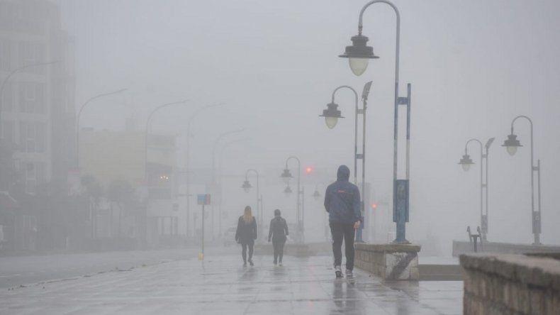 Un domingo lluvioso y fresco en Mar del Plata