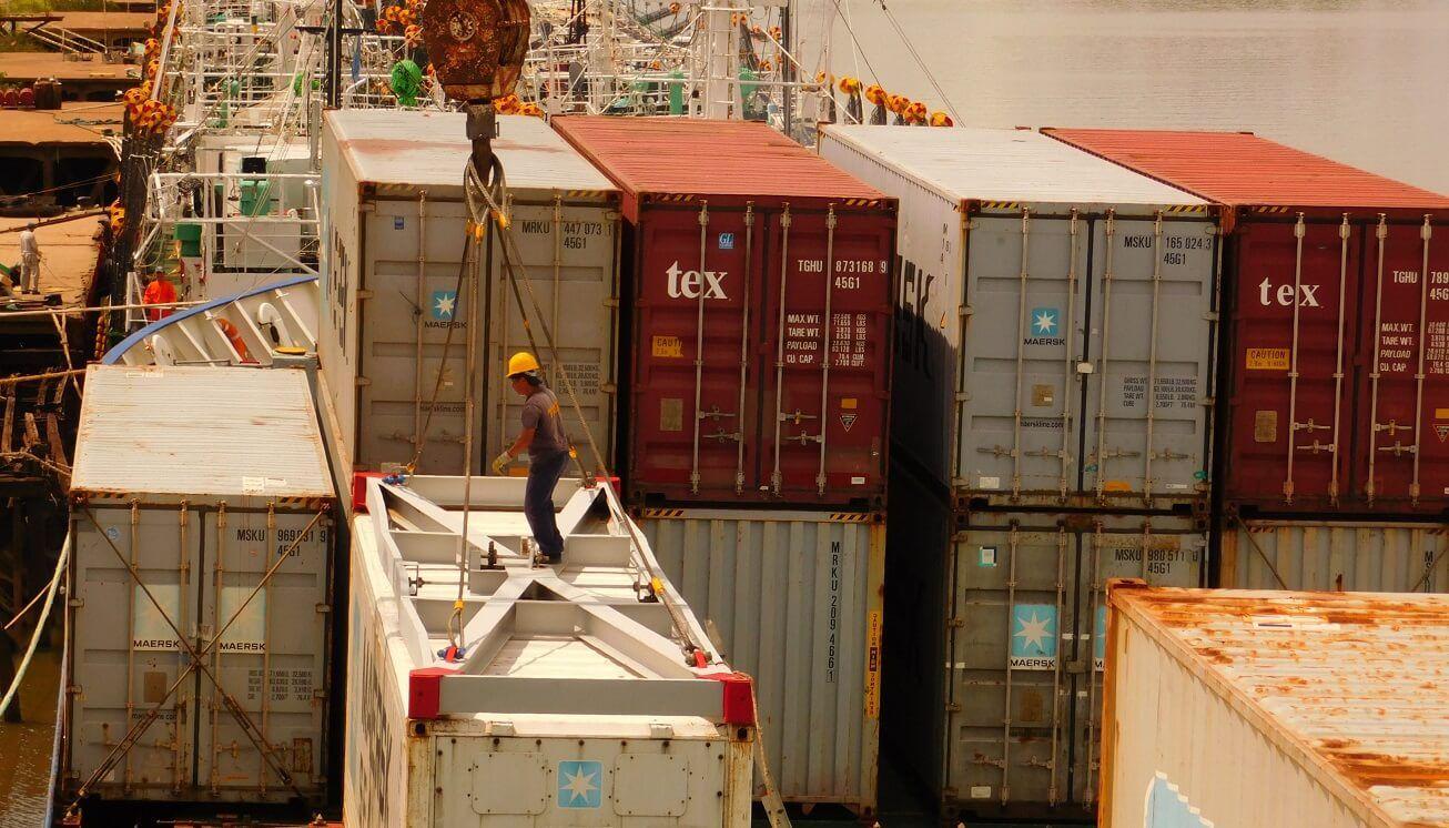 Estiman un déficit de comercio exterior superior a los 6 mil millones de dólares