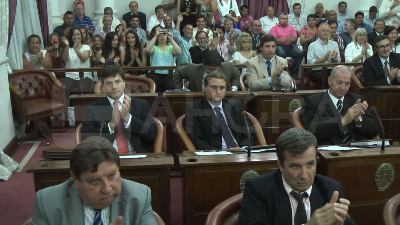 Asumieron las autoridades de la c mara de senadores for La camara de senadores