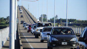 El puente Gualeguaychú-Fray Bentos. El accidente ocurrió a pocos kilómetros.
