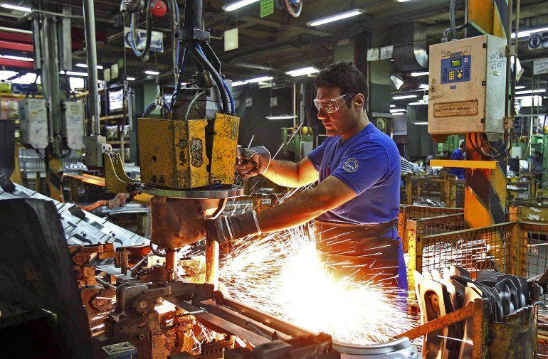 La capacidad instalada de la industria cayó a su peor nivel desde 2002