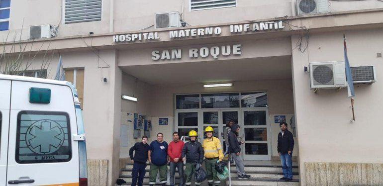 Bomberos Voluntarios entregaron juguetes en el Hospital San Roque