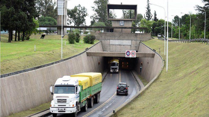 Más de 58.000 vehículos pasaron por el Túnel el finde largo