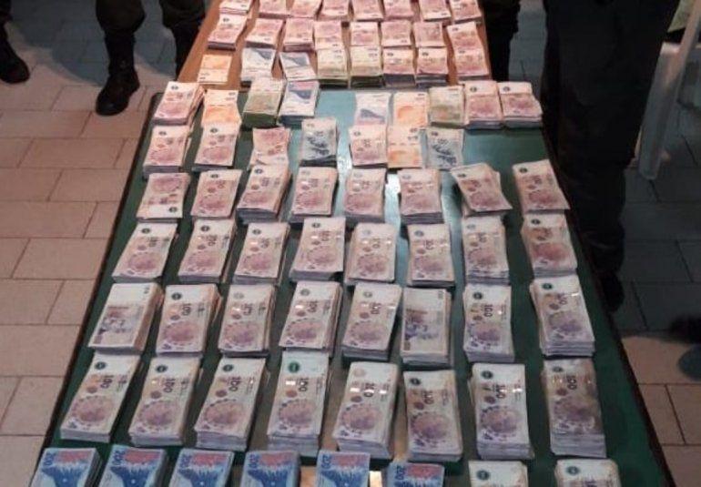 Detuvieron a dos personas que llevaban cerca $1.400.000 en la ruta