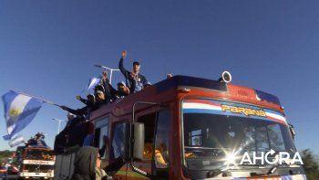 Los campeones del mundo llegaron a Paraná con un emotivo recibimiento