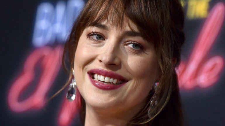 Dakota Johnson se cambió la dentadura y sus fans enloquecieron en las redes
