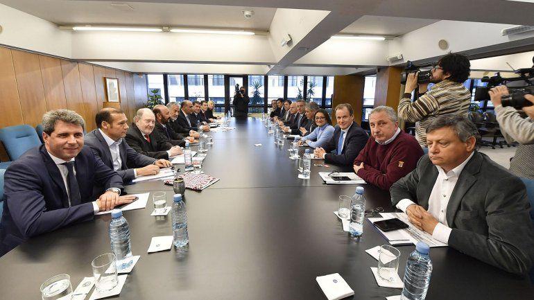 Provincias se reúnen para definir la compensación que deberá pagar Nación