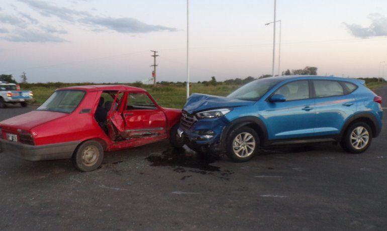 Siniestro fatal: una mujer falleció tras un choque entre dos autos