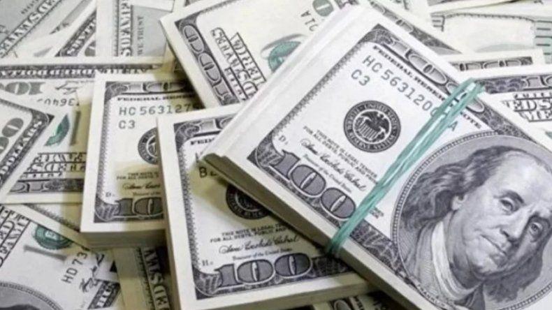 El dólar oficial saltó nuevamente y llegó a $63,50