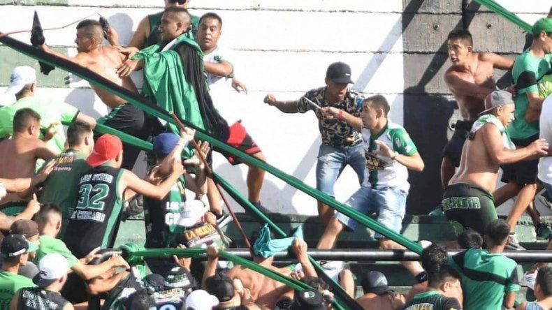 Heridos, detenidos y estadio clausurado por graves incidentes en Nueva Chicago