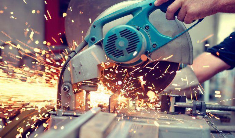 Los metalúrgicos cerraron suba salarial del 35%