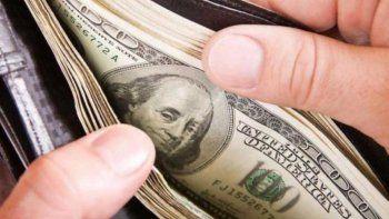 El dólar blue vuelve a subir y se ubica en $132