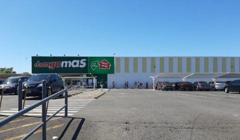 Por un caso de Covid-19, cerraron un supermercado de Paraná