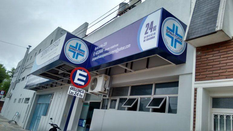 Médico y enfermera dieron positivo: aislaron a personal y pacientes del sanatorio