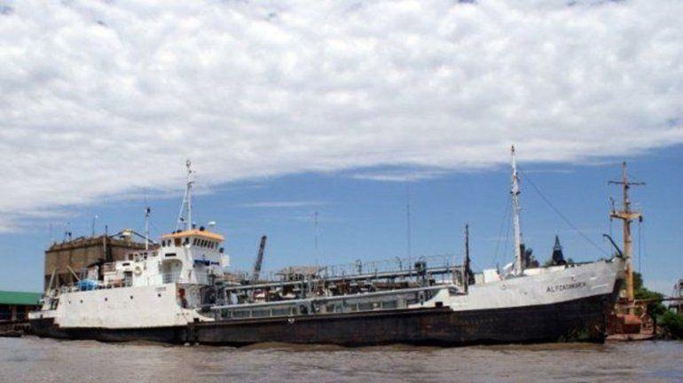 Embarcación en el río Paraná con tripulantes con Covid-19: dos serían entrerrianos