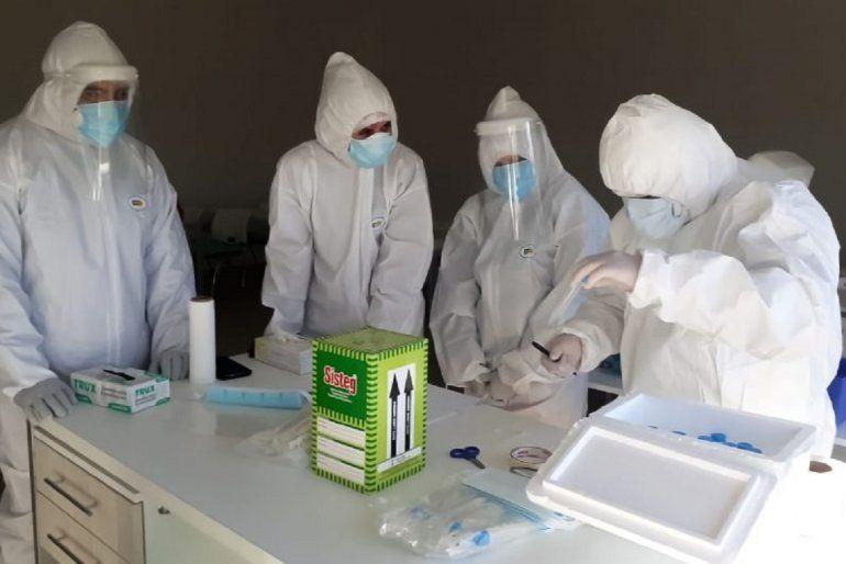 Detectaron 4.890 nuevos casos de Covid-19 en Argentina