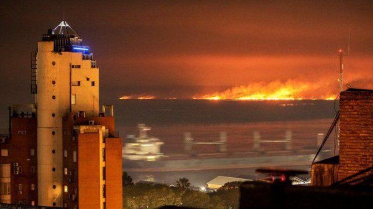 Incendios en las islas: ecologistas cortarán el puente Rosario Victoria