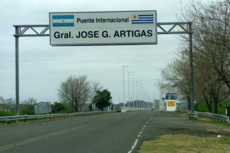 Un chileno dio positivo al test en el puente internacional de Colón