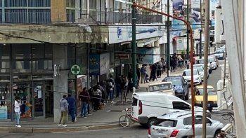 Hasta dos cuadras de fila por un puesto laboral en Concepción del Uruguay