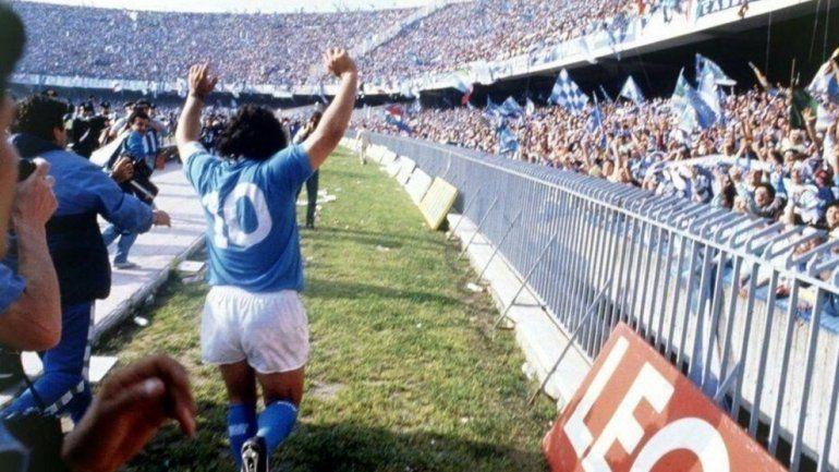 El estadio de Napoli pasará a llamarse Diego Maradona