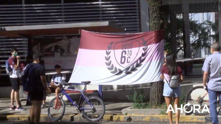 Alumnos y padres marcharán en Paraná para pedir por los actos de colación