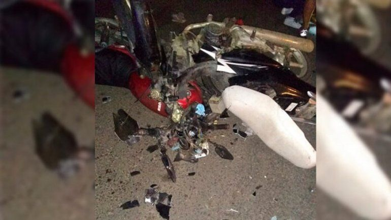 Entre Ríos: iba en moto con tres niños, chocó, murió él y una de sus nietas