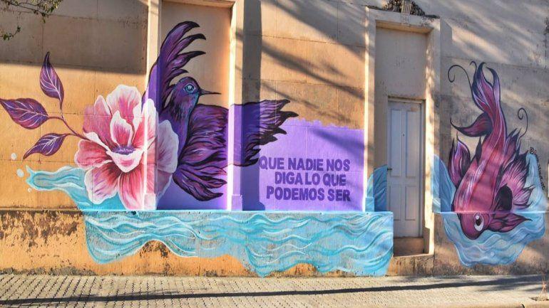 Inauguraron un mural conmemorativo al Día de la Mujer en Concordia